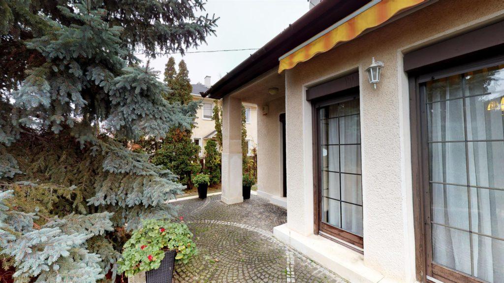 Upciti Almashaza-utca-6
