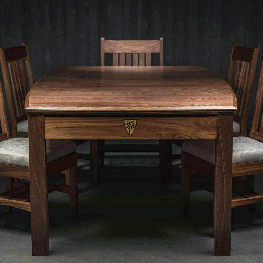 tarsasjatek-asztal